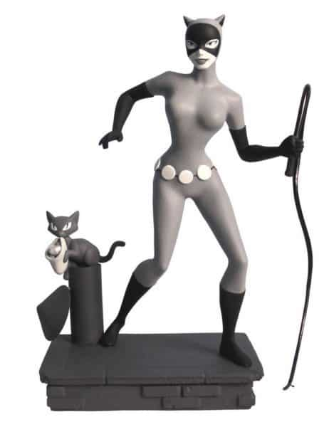 Batman The Animated Series Femme Fatales PVC Statue Black & White Catwoman EU Exclusive 23 cm