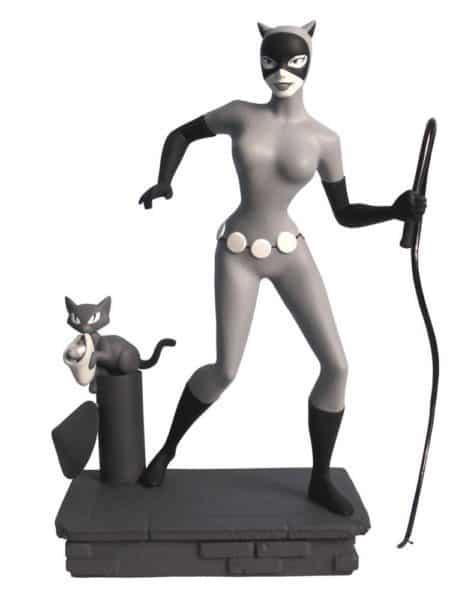 Batman The Animated Series Femme Fatales PVC Statue Black & White Catwoman EU Exclusive 23 cm